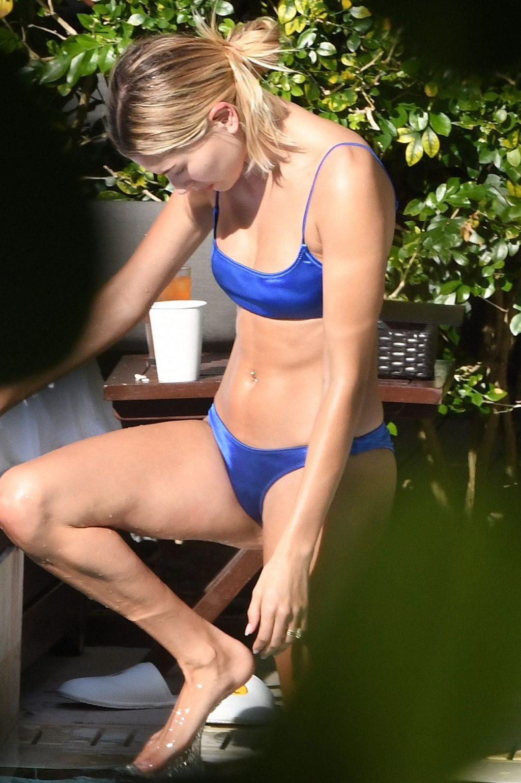 Hailey Bieber Sexy (38 Photos)