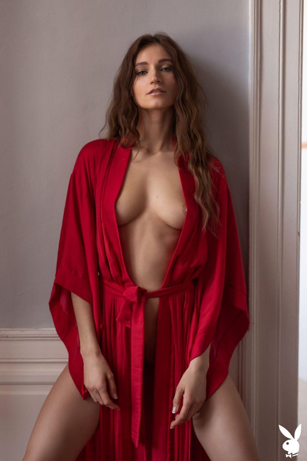 Ilvy Kokomo Nude – Early To Bed (32 Photos + GIFs & Video)