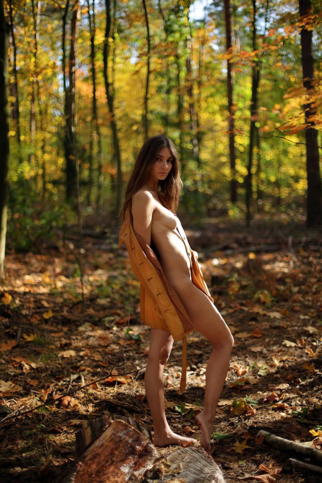 Lina Lorenza Nude & Sexy (24 Photos)