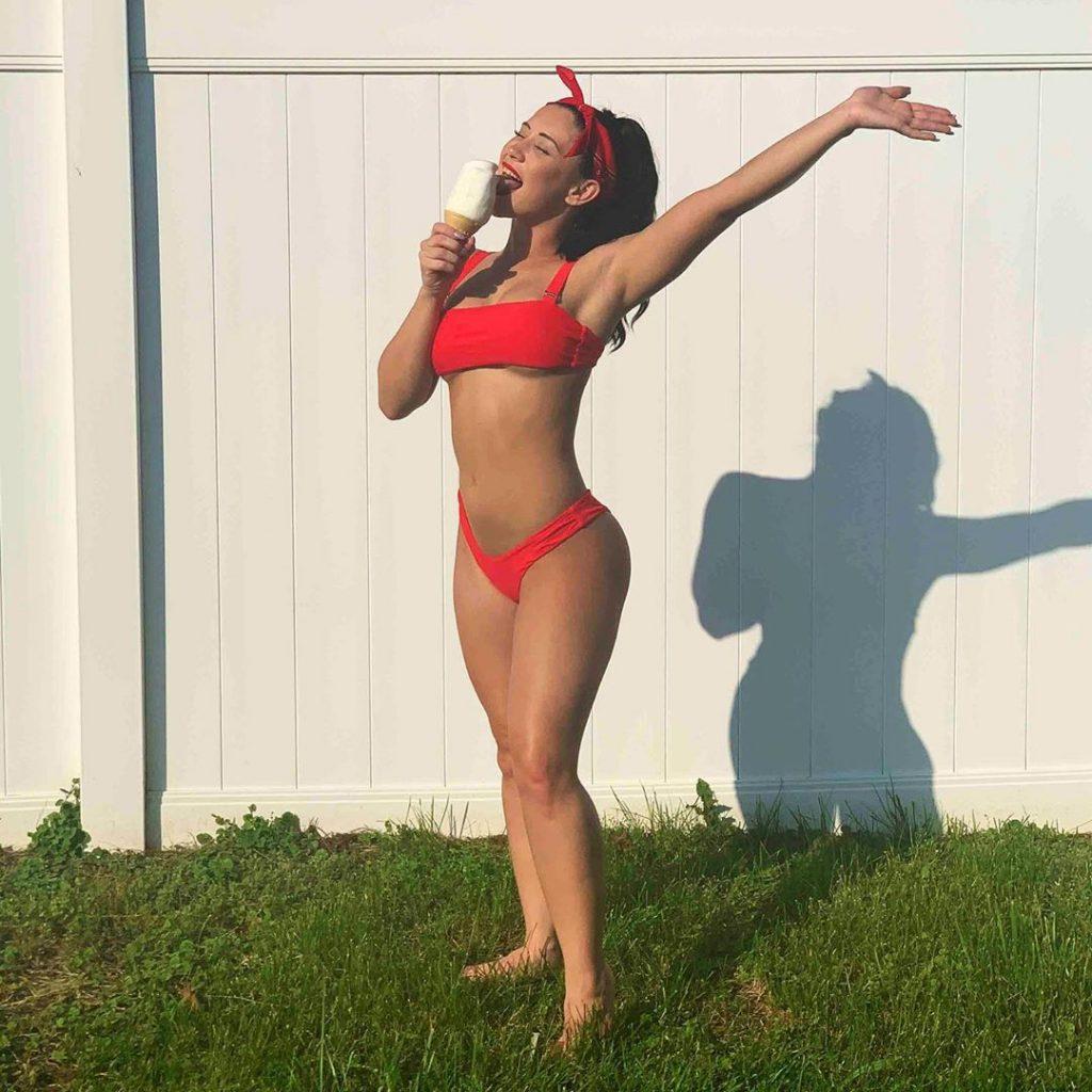 Lizzy Wurst Sexy (150 Photos)