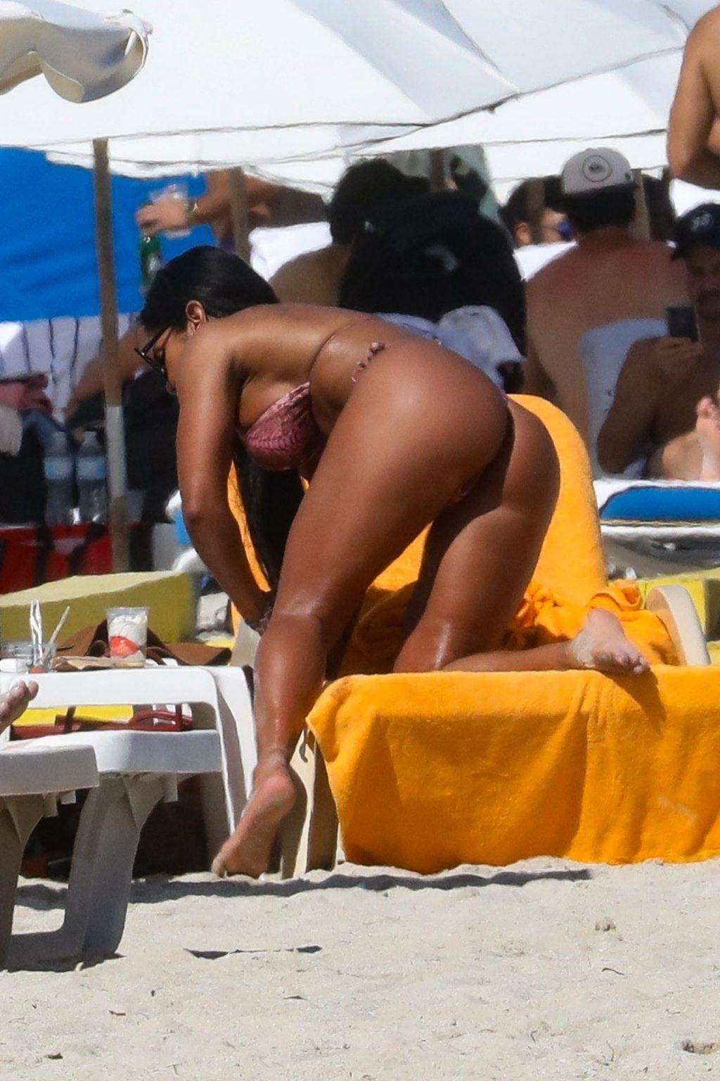 Maripily Rivera Sexy (17 Photos)