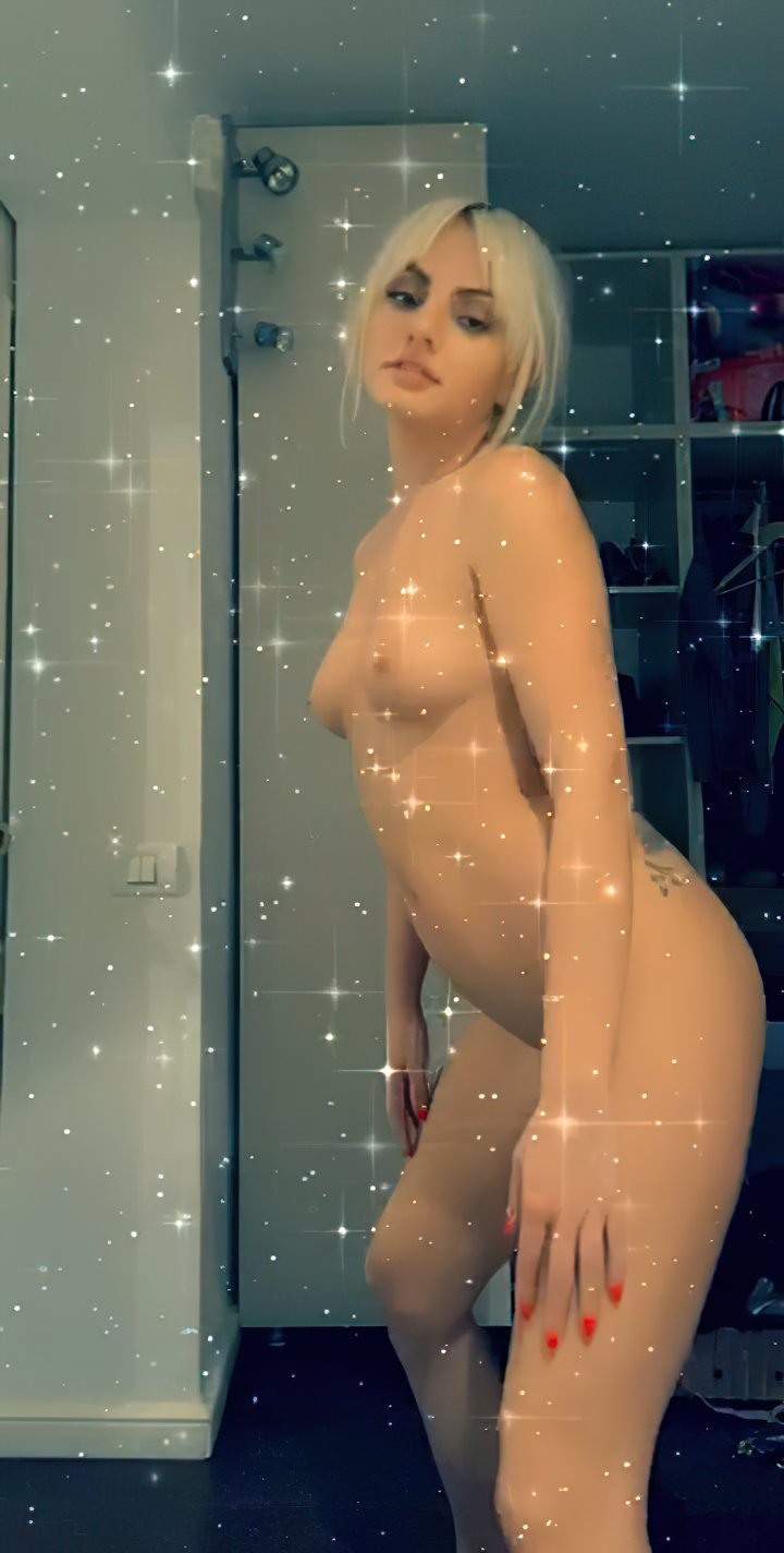 Alexandra Stan Nude Full Frontal Leaked (21 Pics + GIFs & Video)