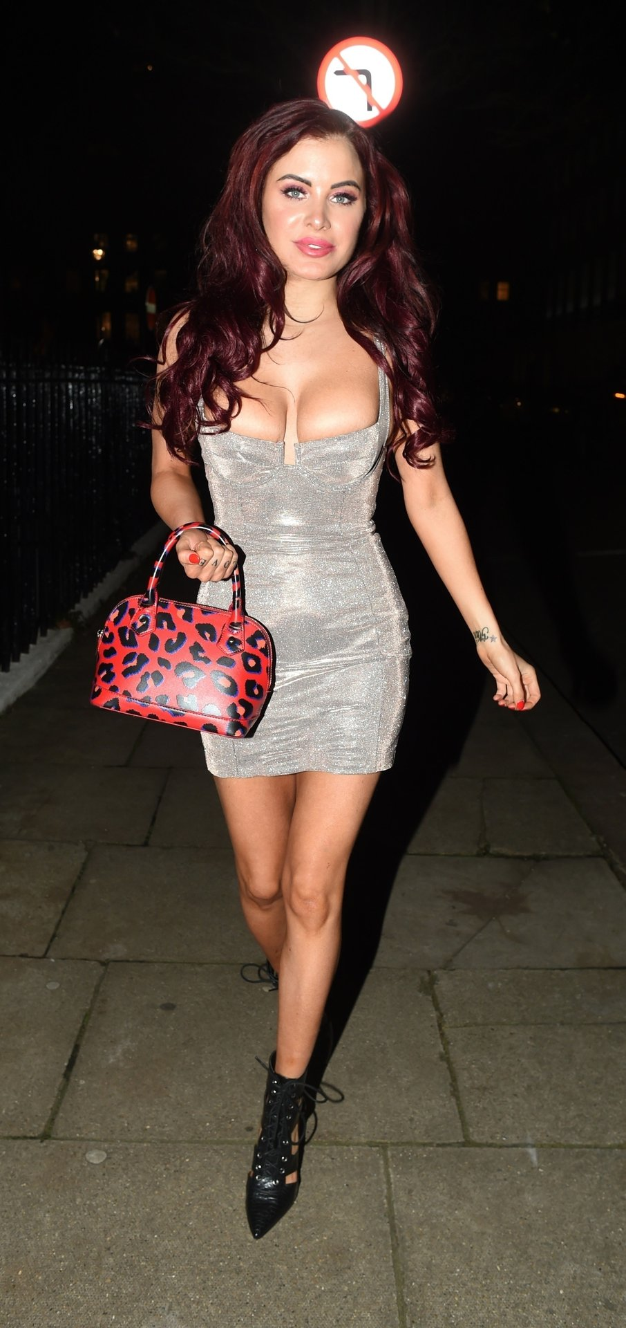 Carla Howe Sexy (25 Photos)