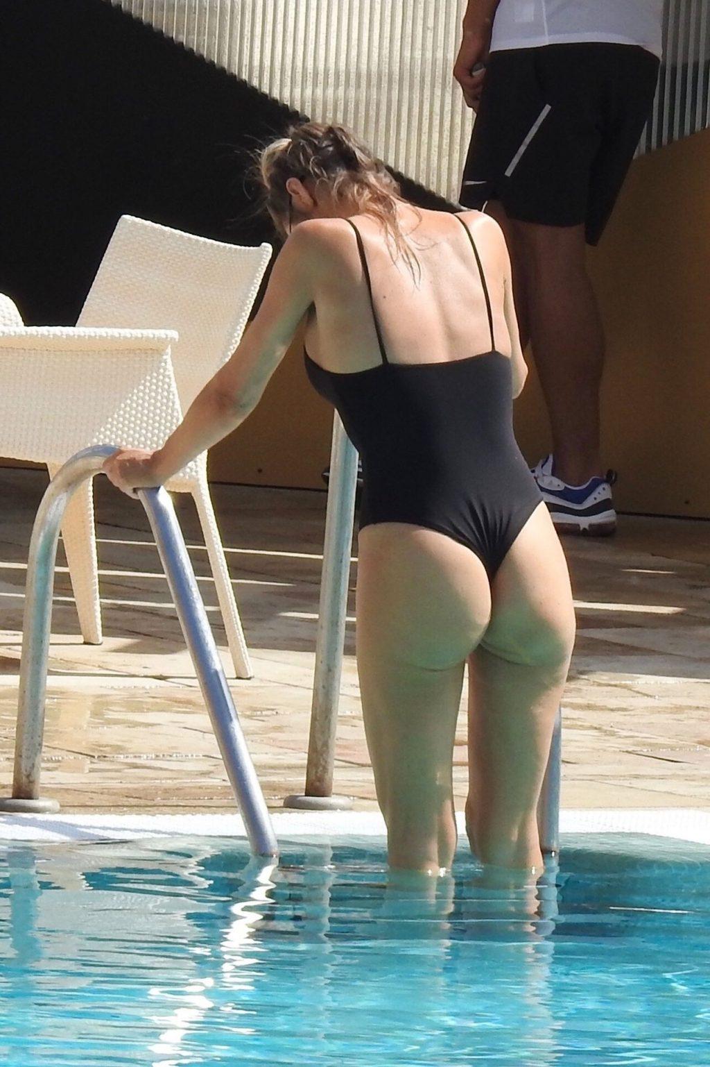 Chloe Sims Sexy (43 Photos)