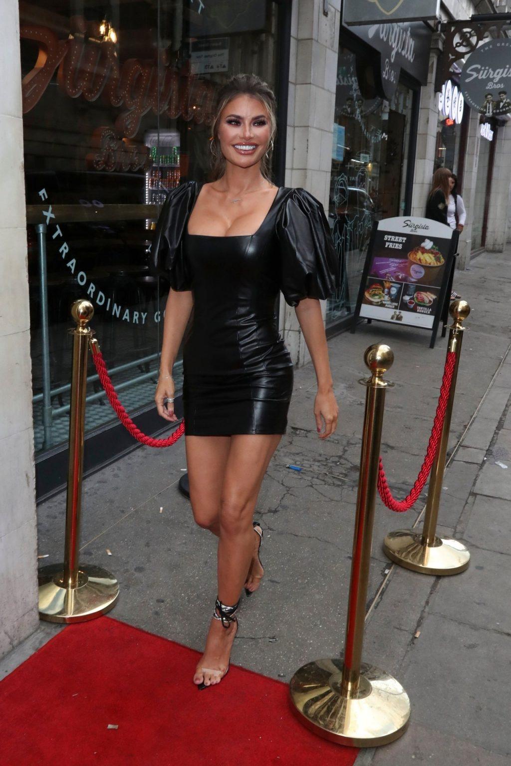 Chloe Sims Sexy (14 Photos)