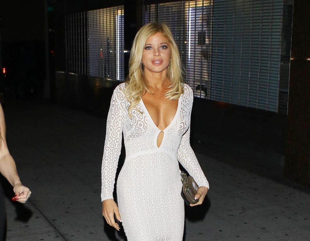 Donna D'Errico Sexy (13 Photos)