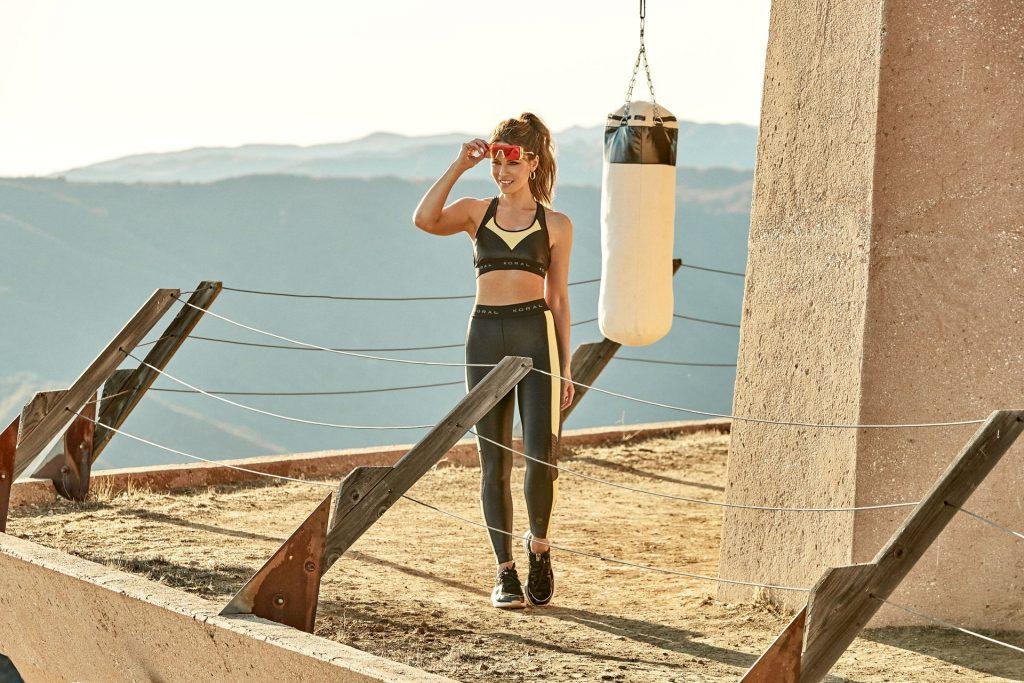 Kate Beckinsale Sexy (20 Photos + GIFs)