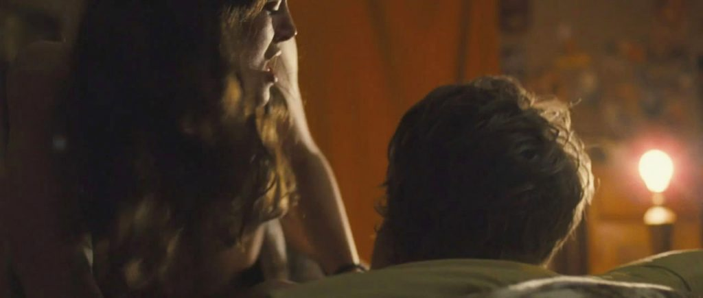 Keira Knightley Sexy – Never Let Me Go (4 Pics + GIF & Video)