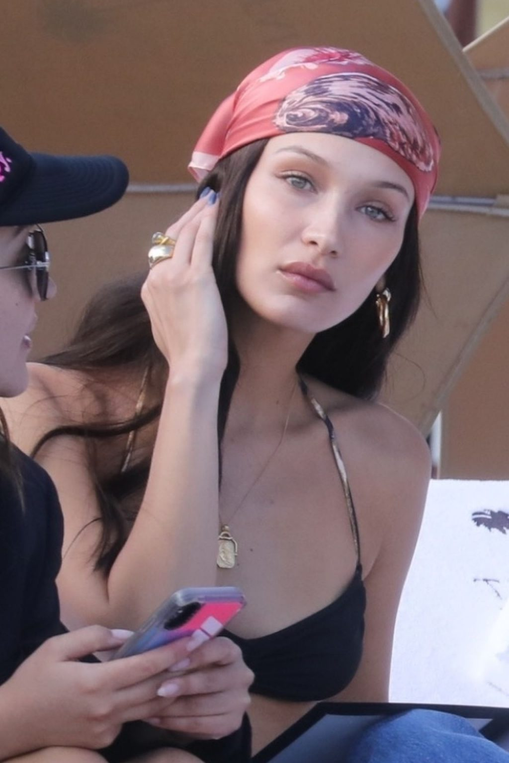 Bella Hadid, Kendall Jenner Sexy (223 Photos)