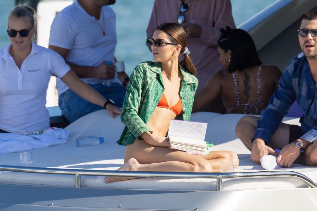 Kendall Jenner Sexy (60 Hot Photos)
