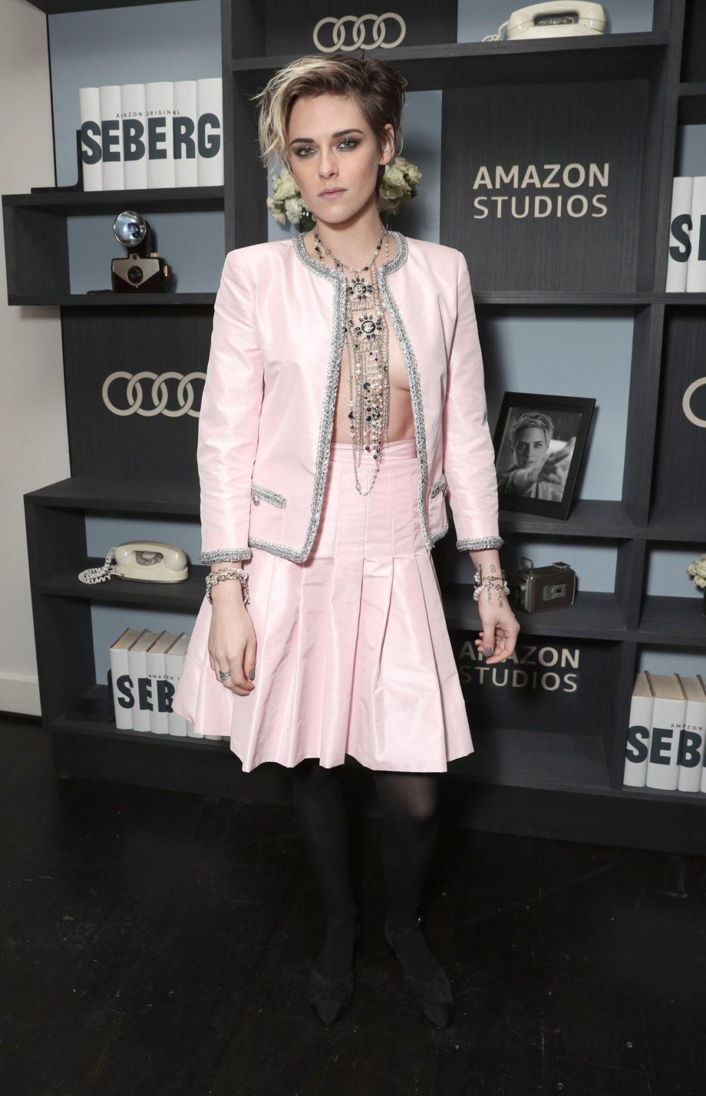 Kristen Stewart Braless (9 New Photos)