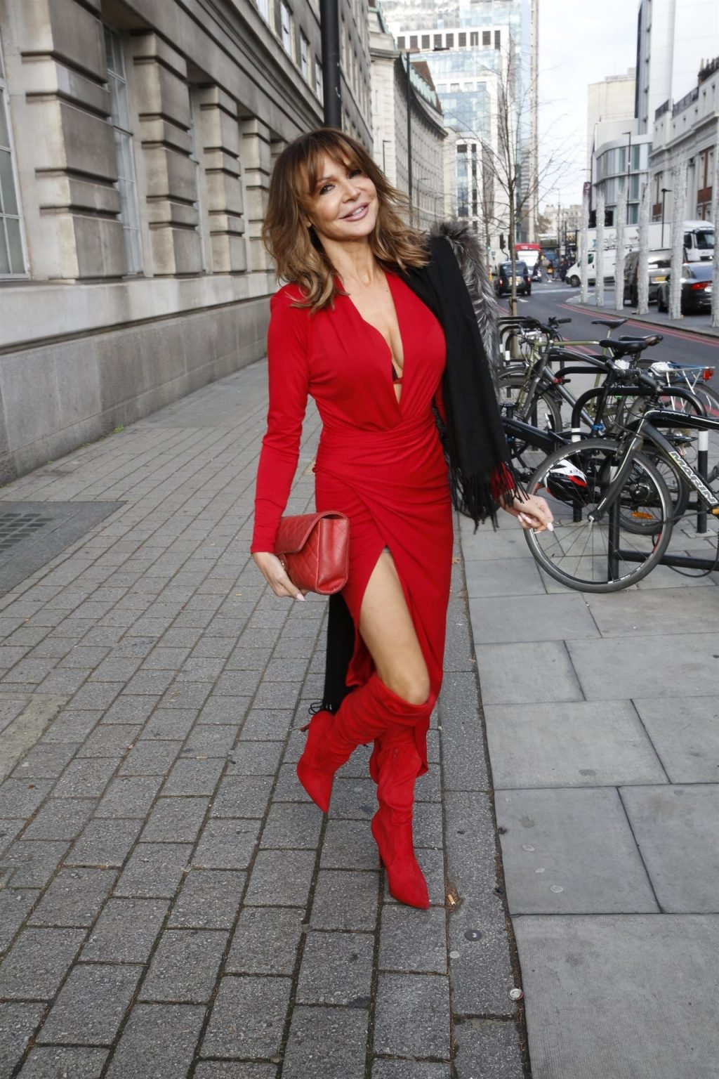 Lizzie Cundy Sexy (26 New Photos)