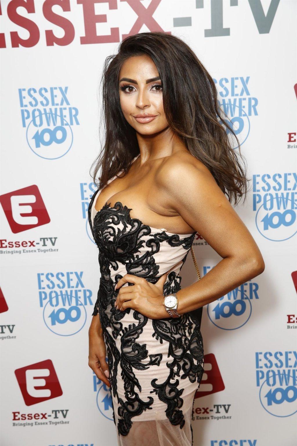 Natasha Sandhu Sexy (8 Photos)