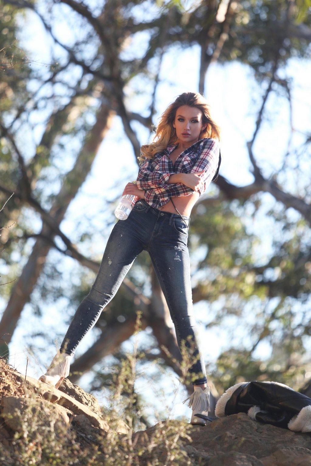 Trista Mikail Sexy (64 Photos)