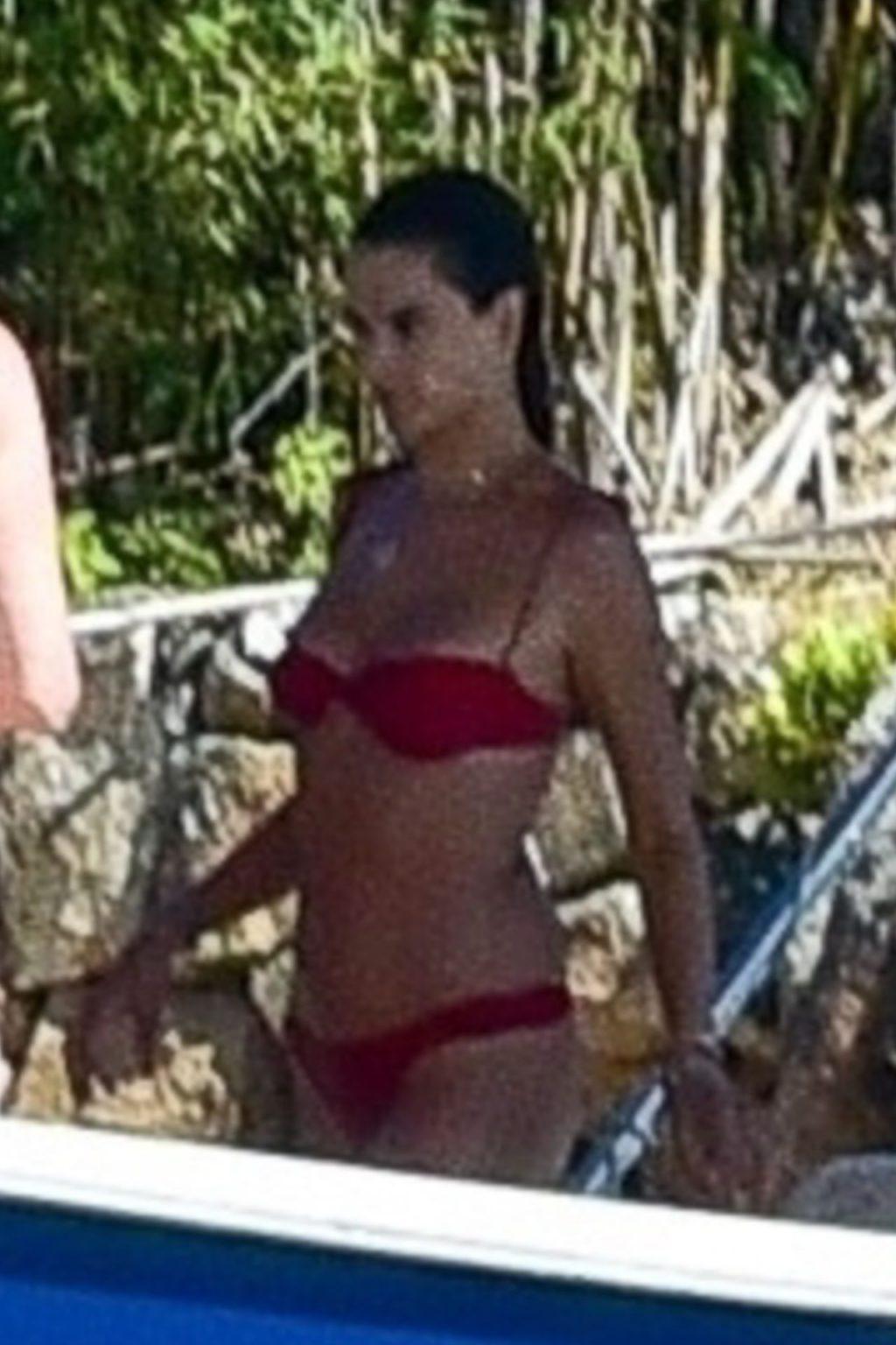 Alessandra Ambrosio Sexy (187 New Photos)