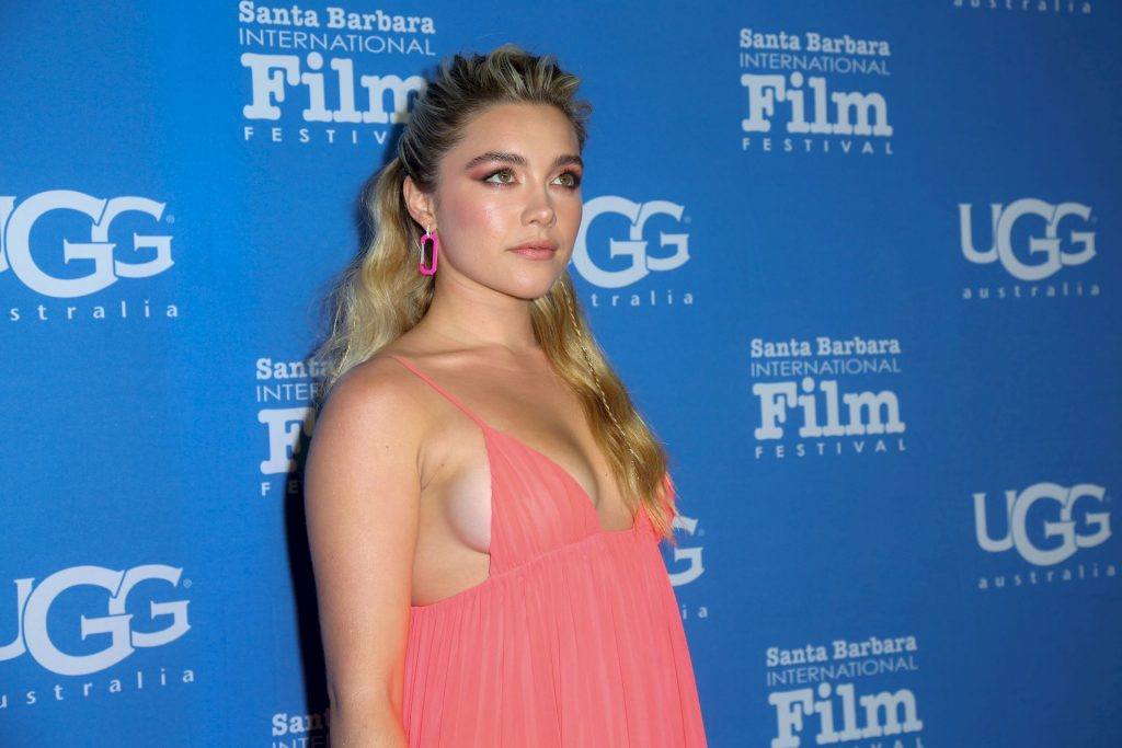 Florence Pugh Shows Tits at the The Virtuosos Award (11 Photos)