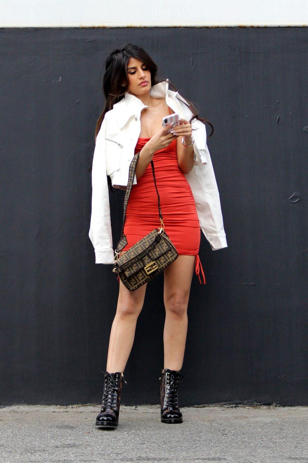 Sexy Jasmin Walia Starts Her Week at LA Studio (44 Photos)
