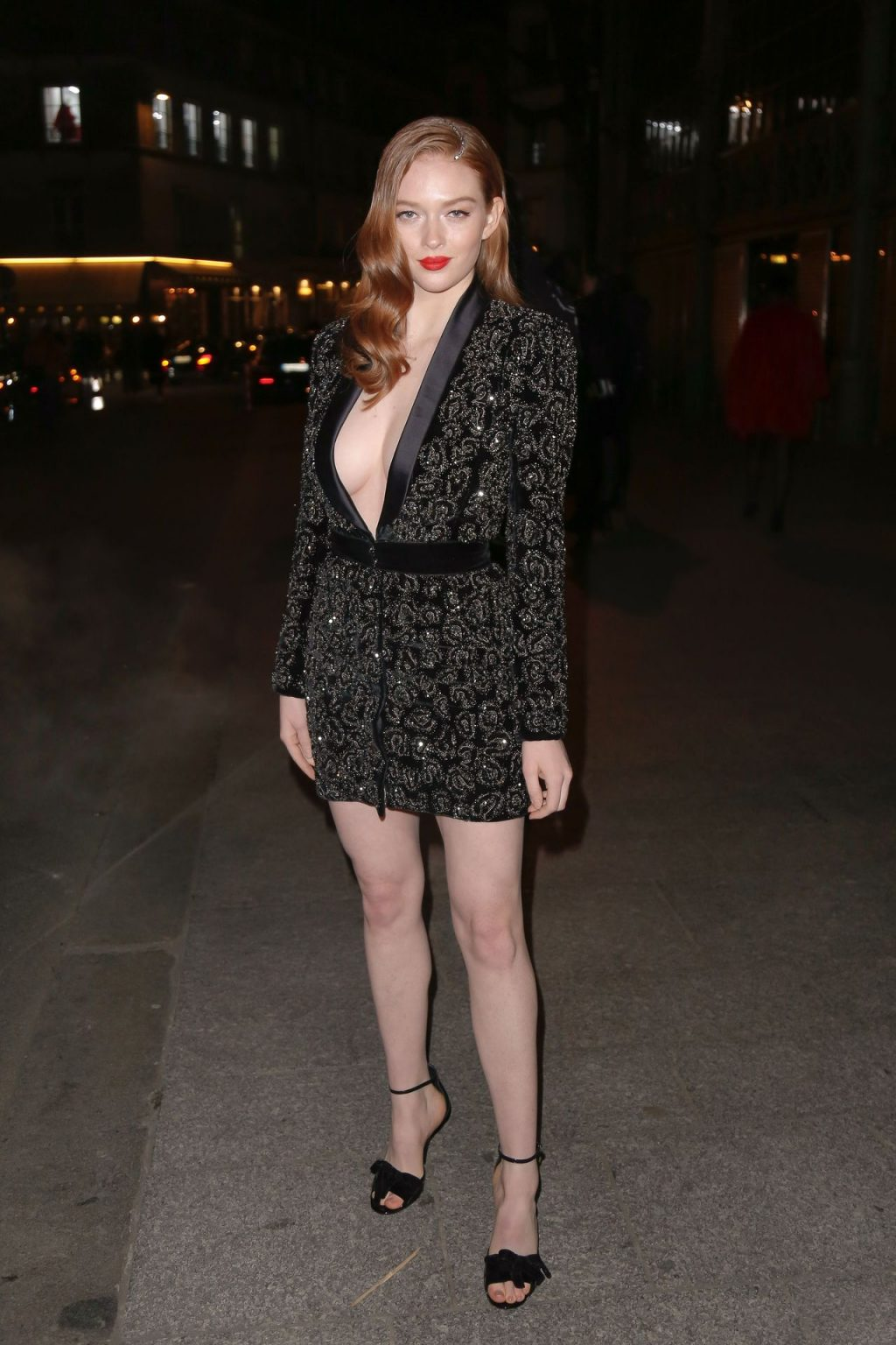 Larsen Thompson Wows with Her Tits at the Fashion Show (11 Photos)
