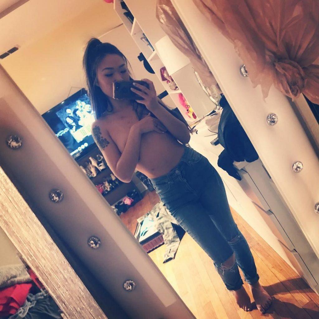 Minnie Scarlet Nude & Sexy (27 Photos + Video)