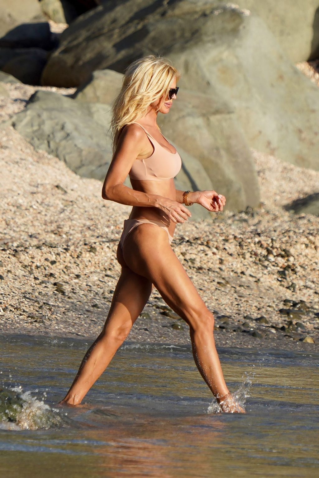 Victoria Silvstedt Sexy (28 Photos)