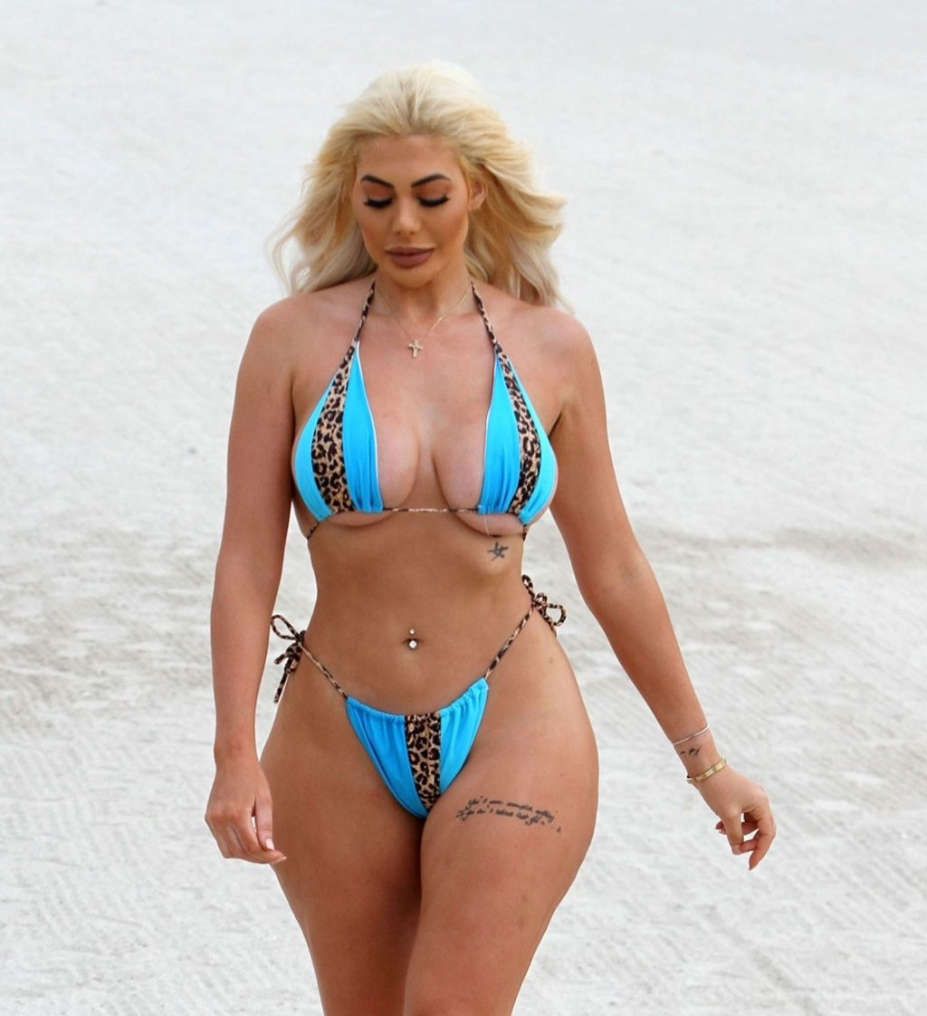 Chloe Ferry Pictured Showing Off Her Sexy Body in Dubai (13 Photos)