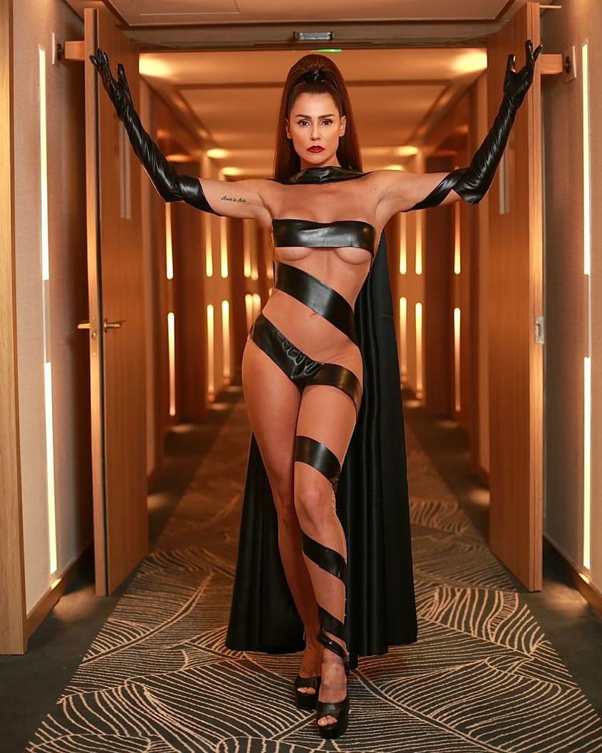 Deborah Secco Hot (5 Photos)