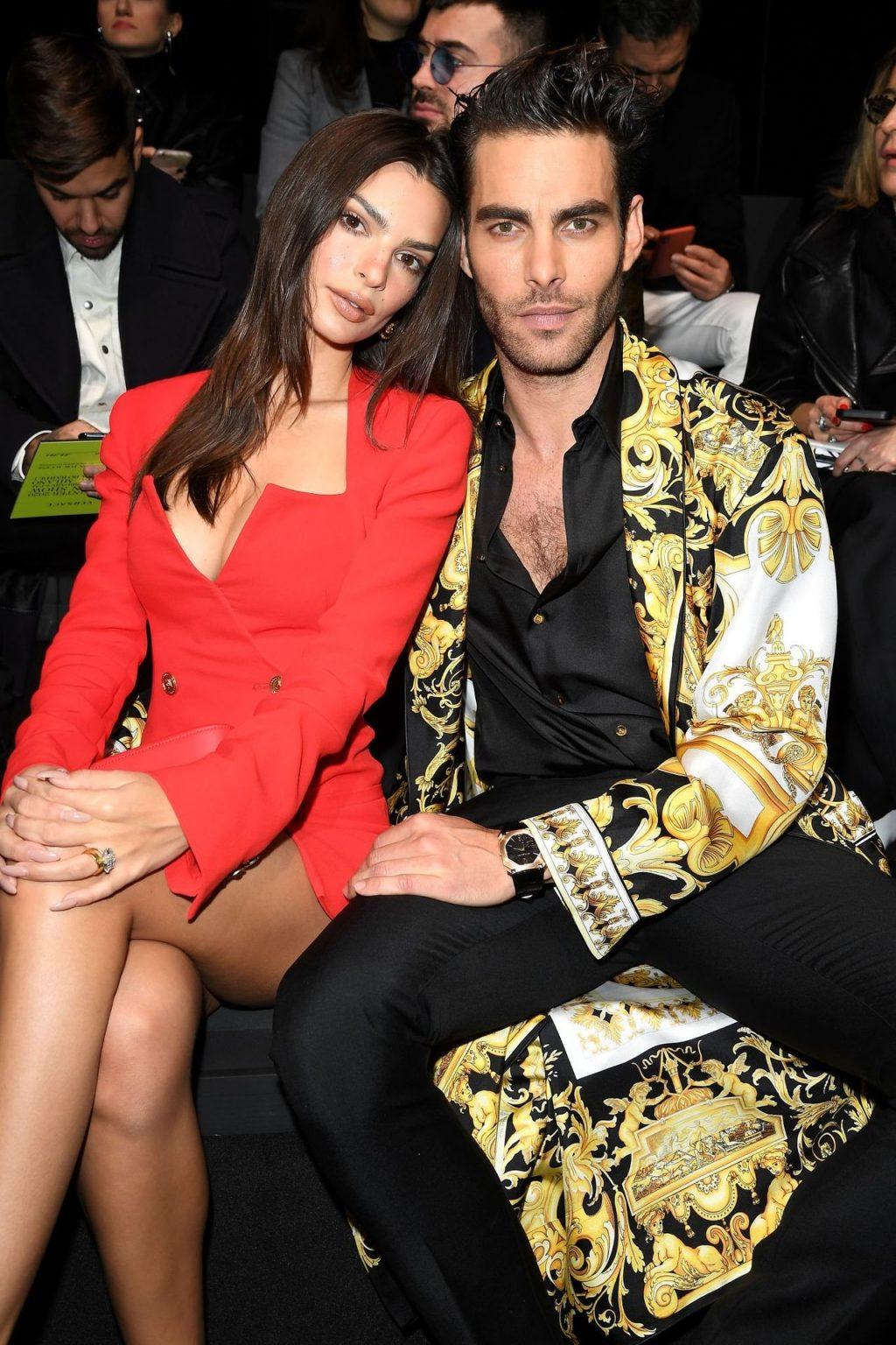 Emily Ratajkowski Stuns at the Versace Fashion Show During Milan Fashion Week (90 Photos + GIFs & Video)