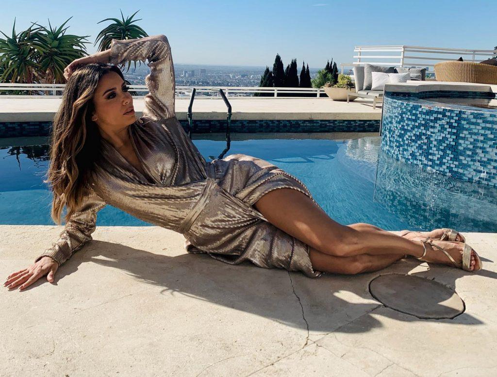 Eva Longoria Poses for a New Project (8 Pics + GIF & Video)