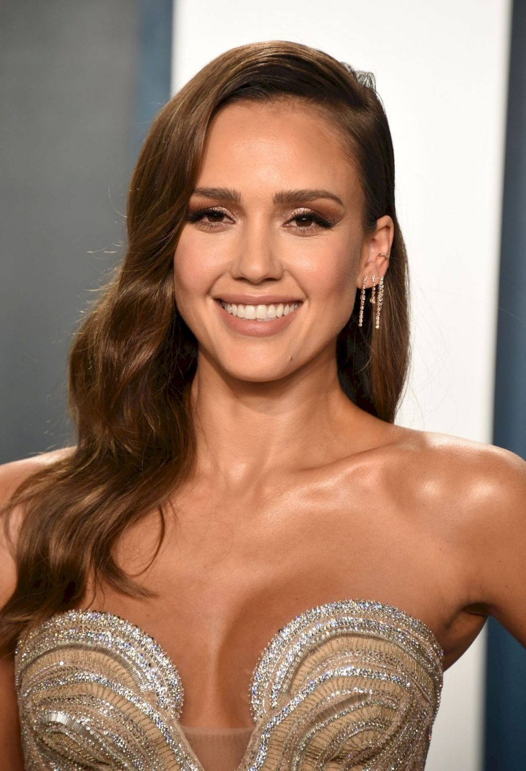 Jessica Alba Wows at the 2020 Vanity Fair Oscar Party (122 Photos)