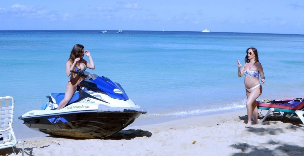 Lauryn Goodman Shows Off Her Ever-Growing Baby Bump Out in the Caribbean Sunshine of Barbados (26 Photos)