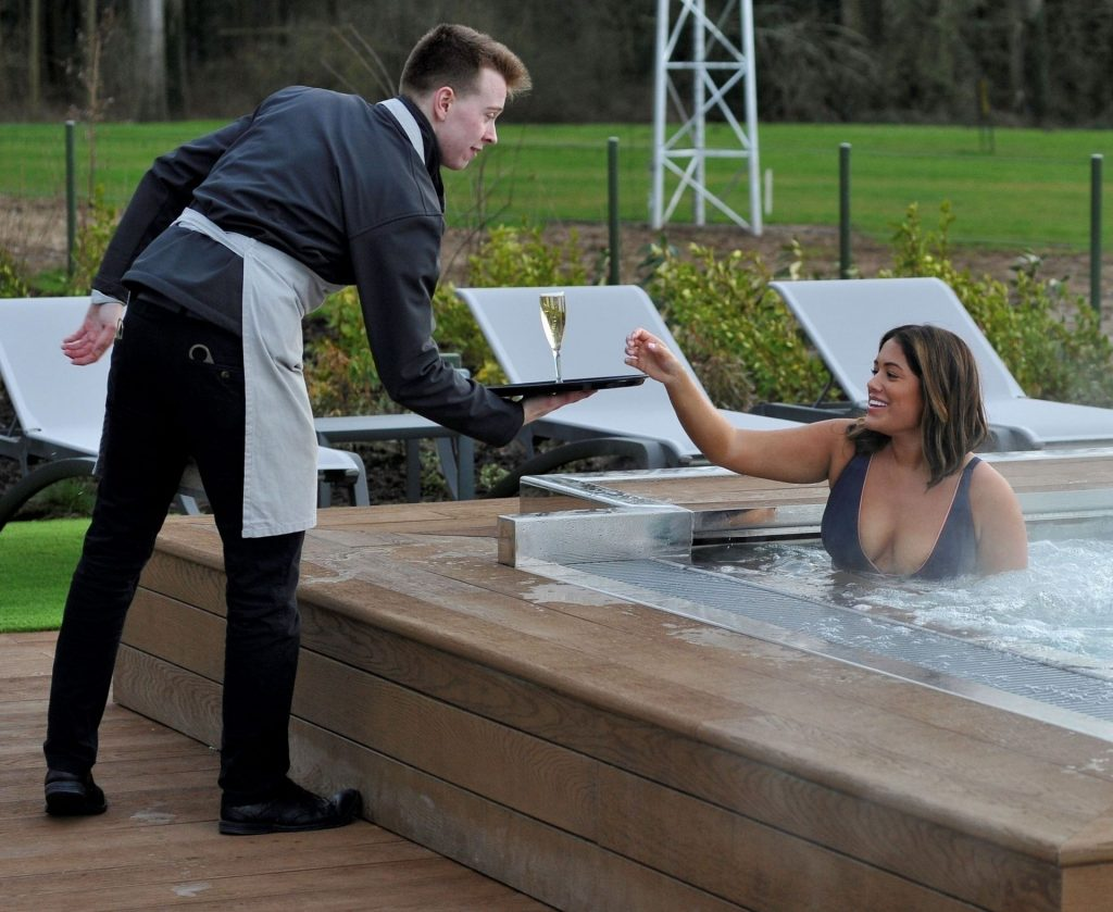 Malin Andersson Gets Pampered During Her Carden Park Spa Day (24 Photos)