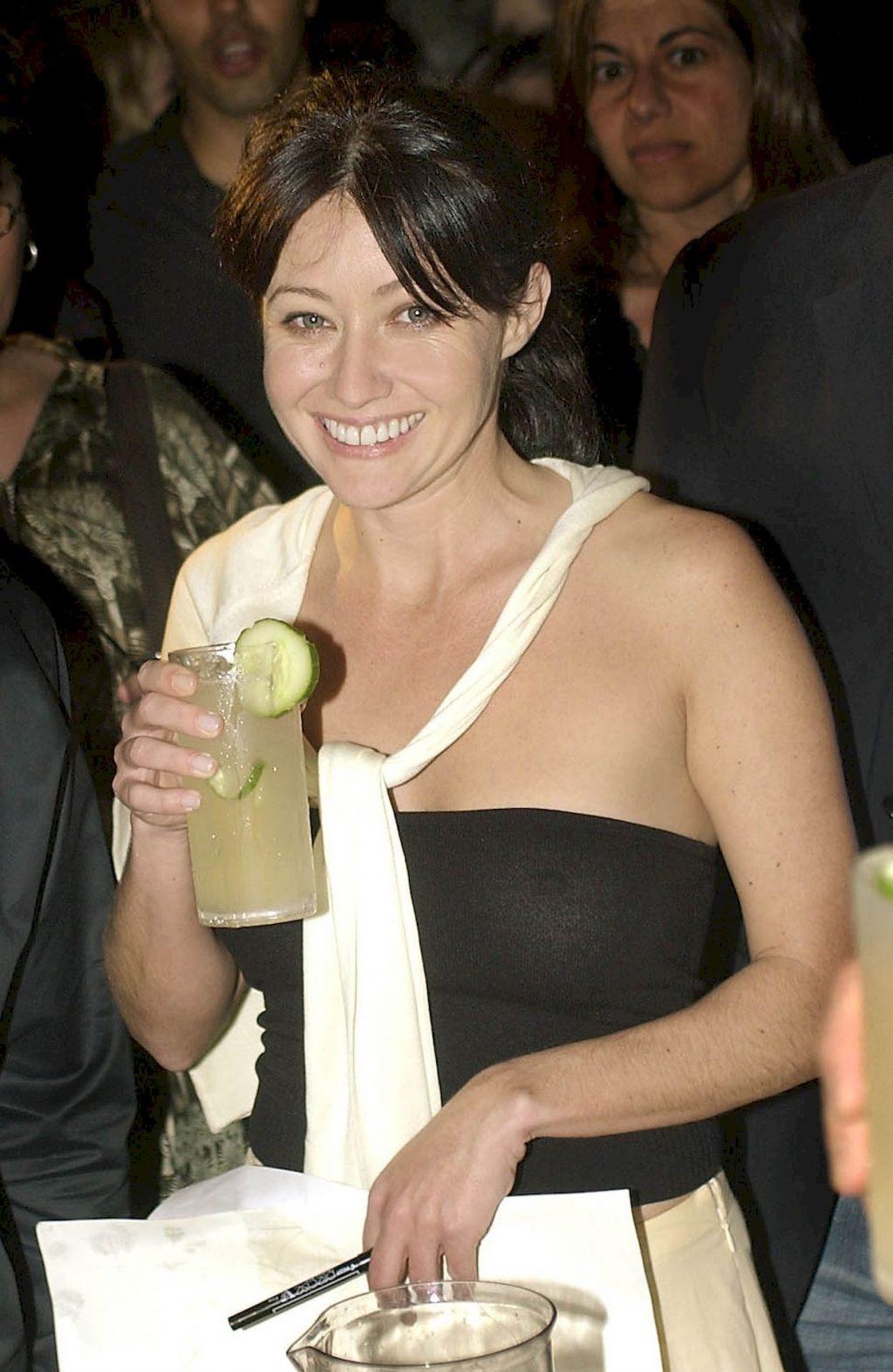 Shannen Doherty Sexy (3 Photos)