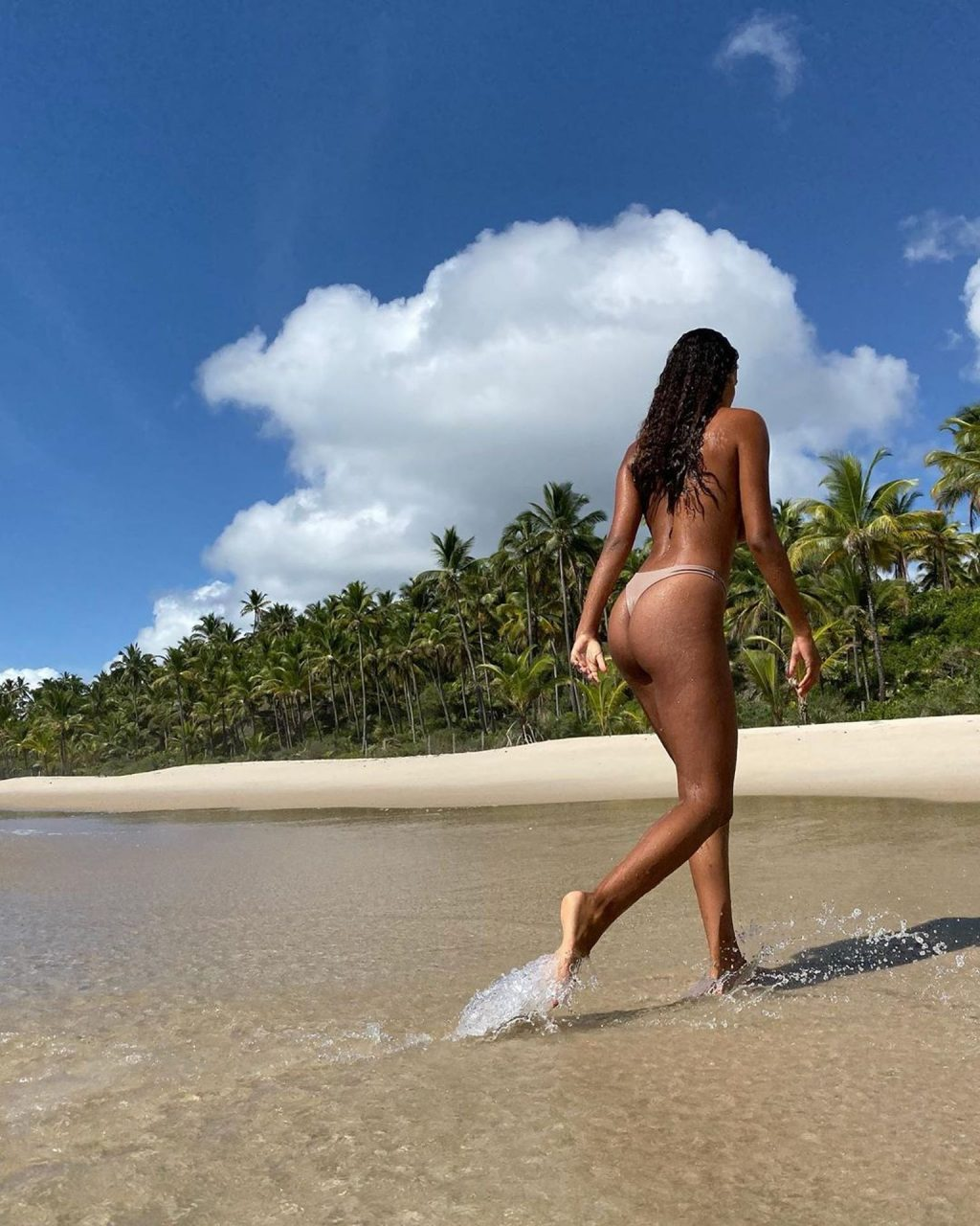Tina Kunakey Enjoys the Subtle Waves of Rio De Janiero (9 Photos)