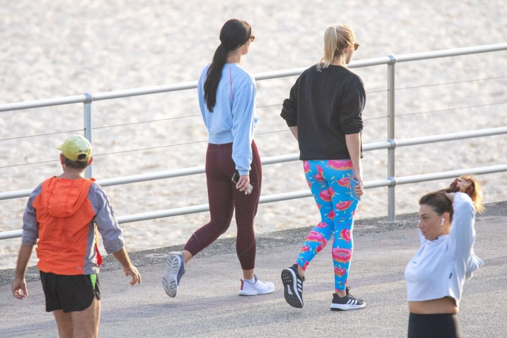 Brittany Hockley was Spotted at Bondi Beach (32 Photos)