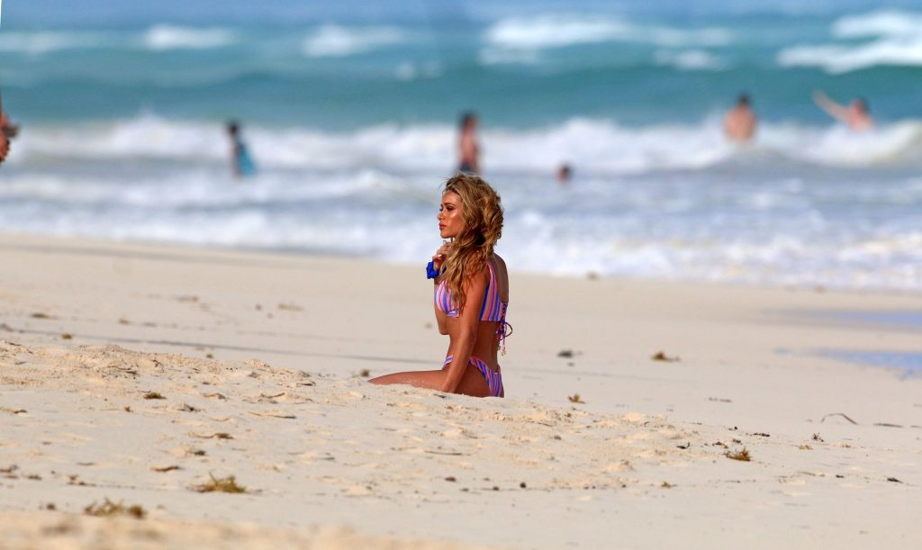 Cindy Prado Shows Off Her Fantastic Body While Doing a Photoshoot in Cancun (26 Photos)