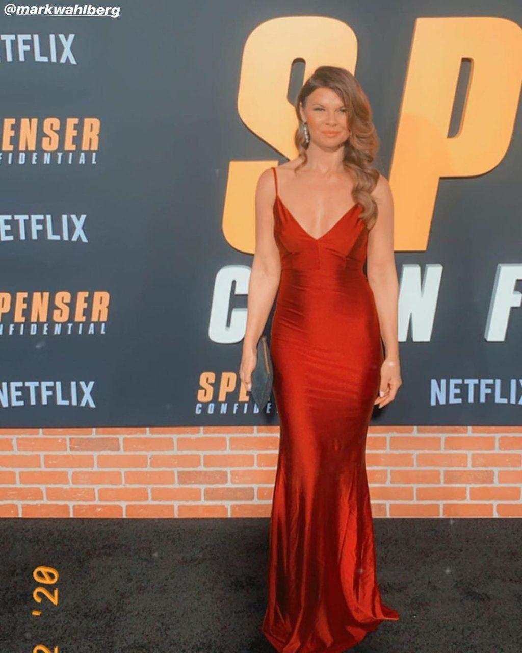 Danielle Vasinova Shows Her Pokies at the Premiere of Netflix's Spenser Confidential (5 Photos)