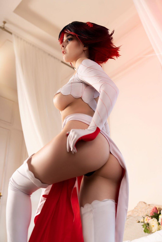 Helly Valentine Nude & Sexy (24 Photos)