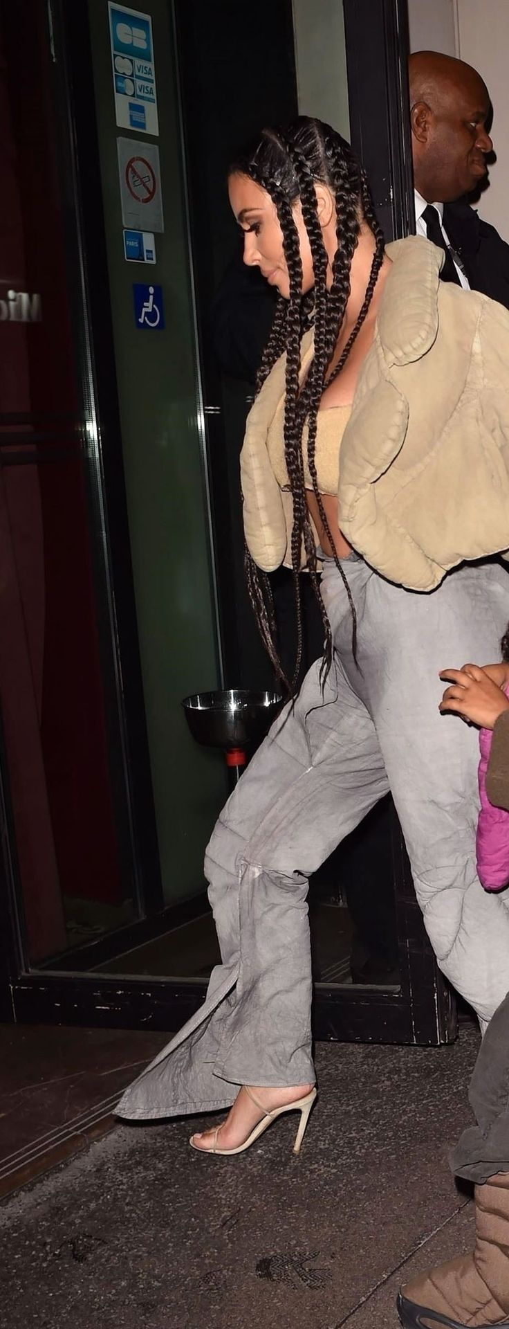 Kim Kardashian Arrives at the Kanye West after party in Paris (21 Photos)