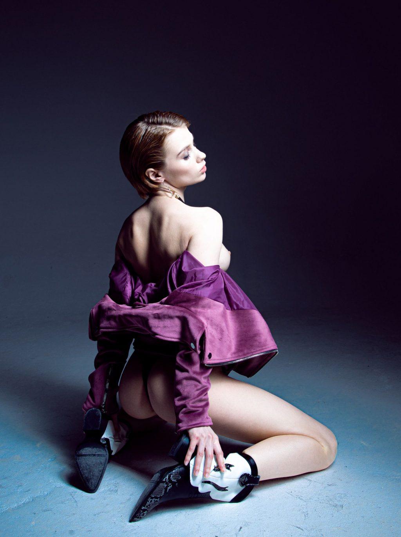 Marta Gromova Nude & Sexy (18 Photos)