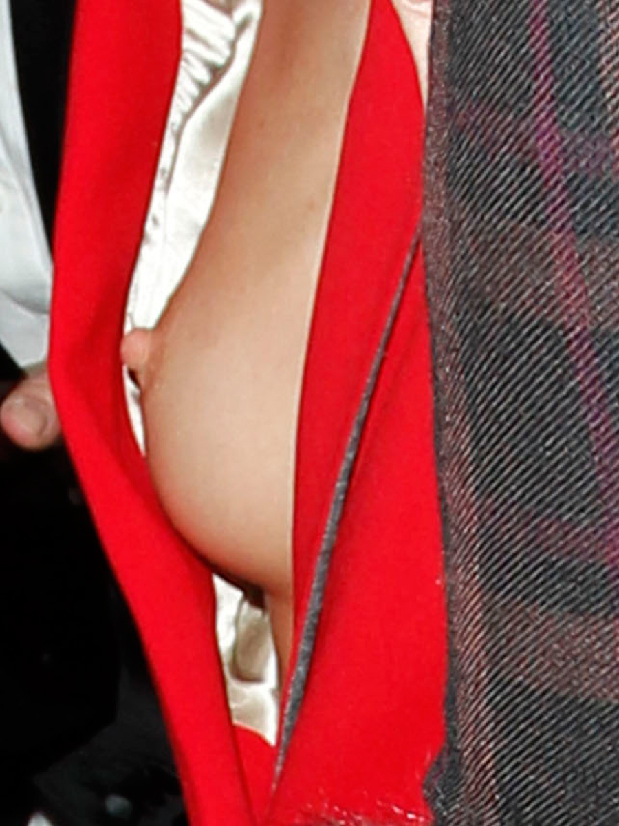 Rosie Huntington-Whiteley's Tit Flash in London (12 Photos)