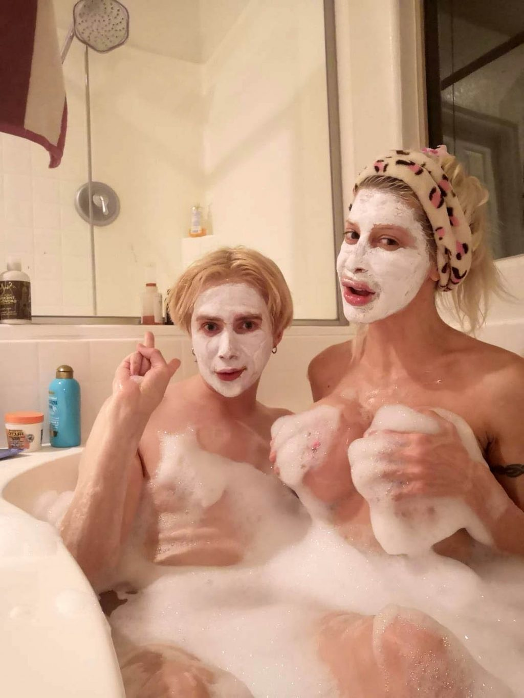 Frenchy Morgan & Oli London Have a Personal Spa Day (6 Photos)