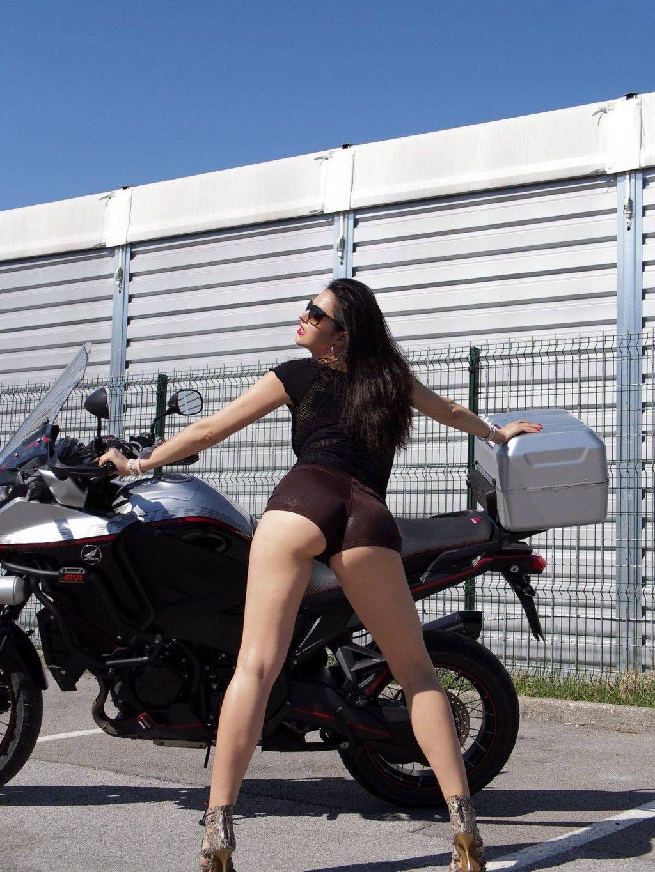 Linna Pearl Sexy (20 Photos)