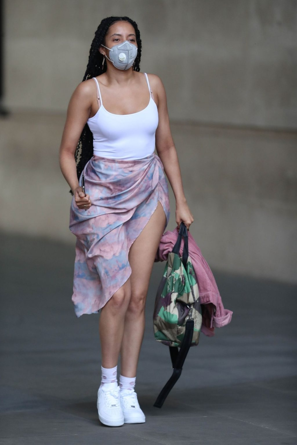 Yasmin Evan Was Pictured While Leaving the BBC Broadcasting House (17 Photos)