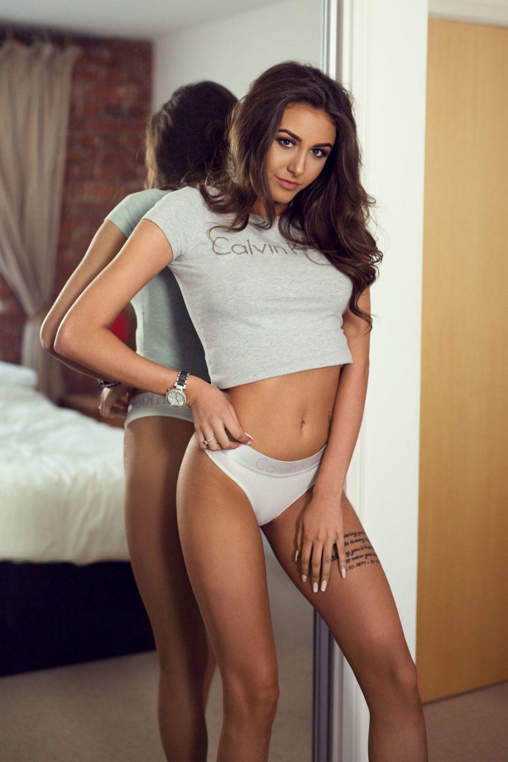 Chloe Veitch Sexy (32 Photos)
