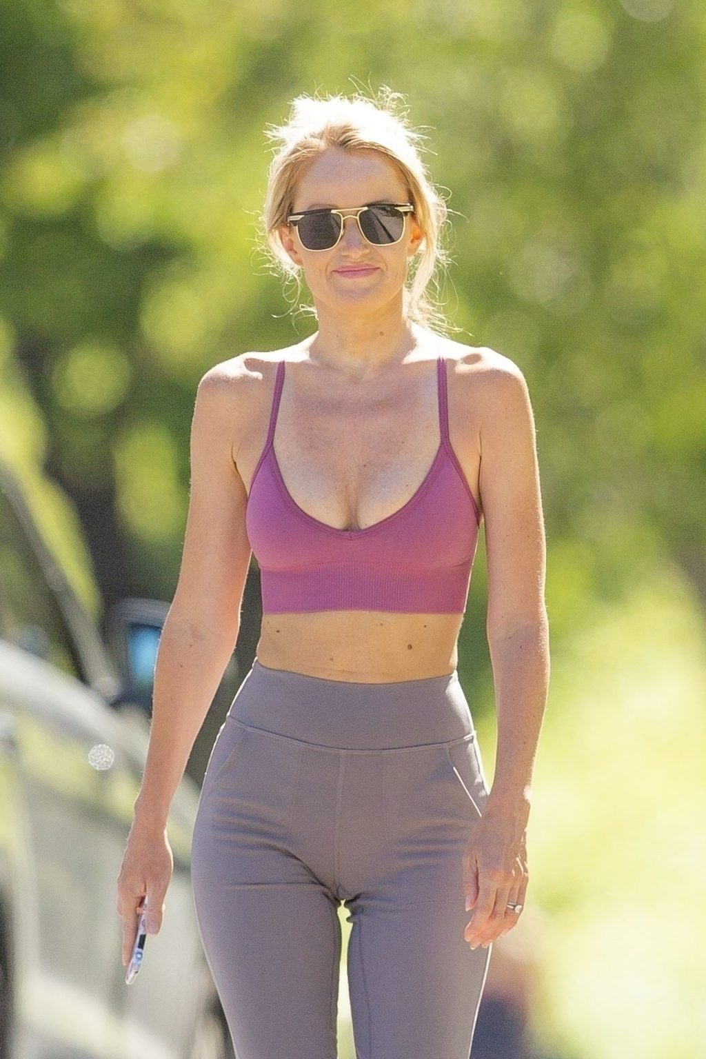 Hayley Roberts Hasselhoff Displays Pert Derriere While Wearing a Sports Bra (44 Photos)