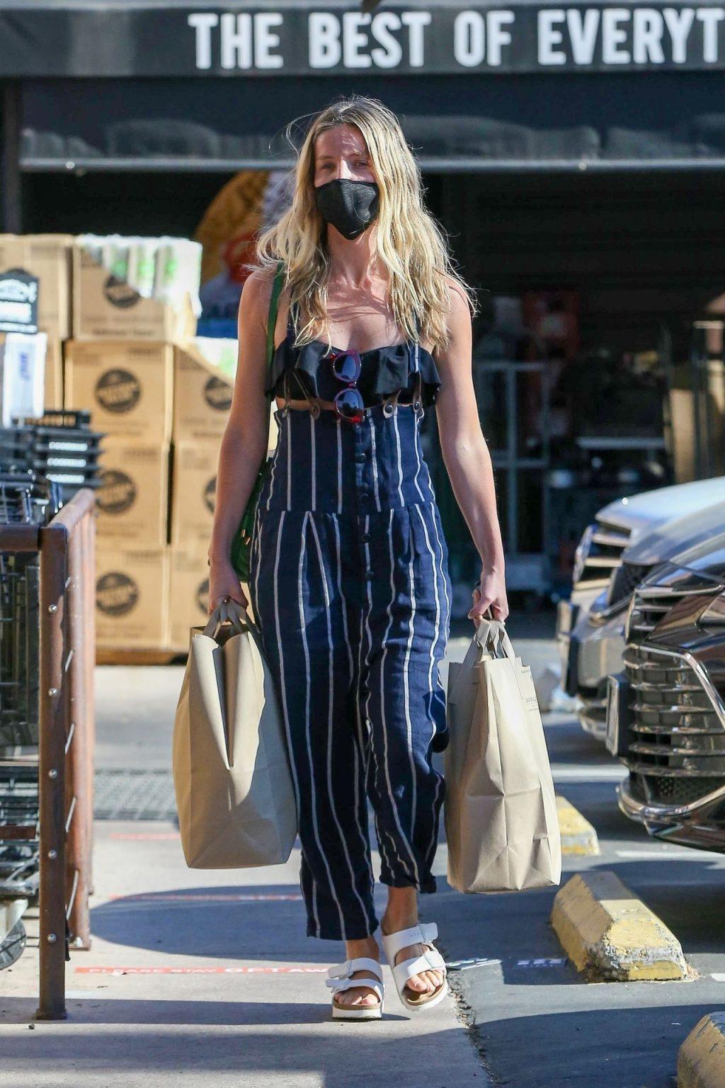 Annabelle Wallis Makes a Grocery Run Near Her Home in Los Feliz (19 Photos)
