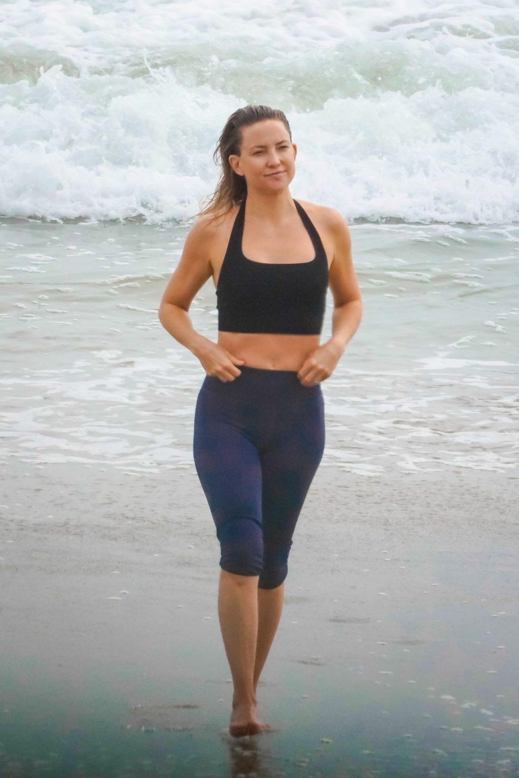 Kate Hudson Shows Off Her Killer Body in Malibu (41 Photos)