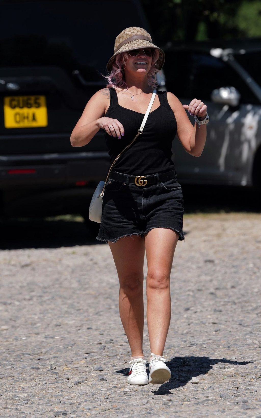 Kerry Katona Shows Off Her Pink Hair And Looks in Great Spirits in London (72 Photos)