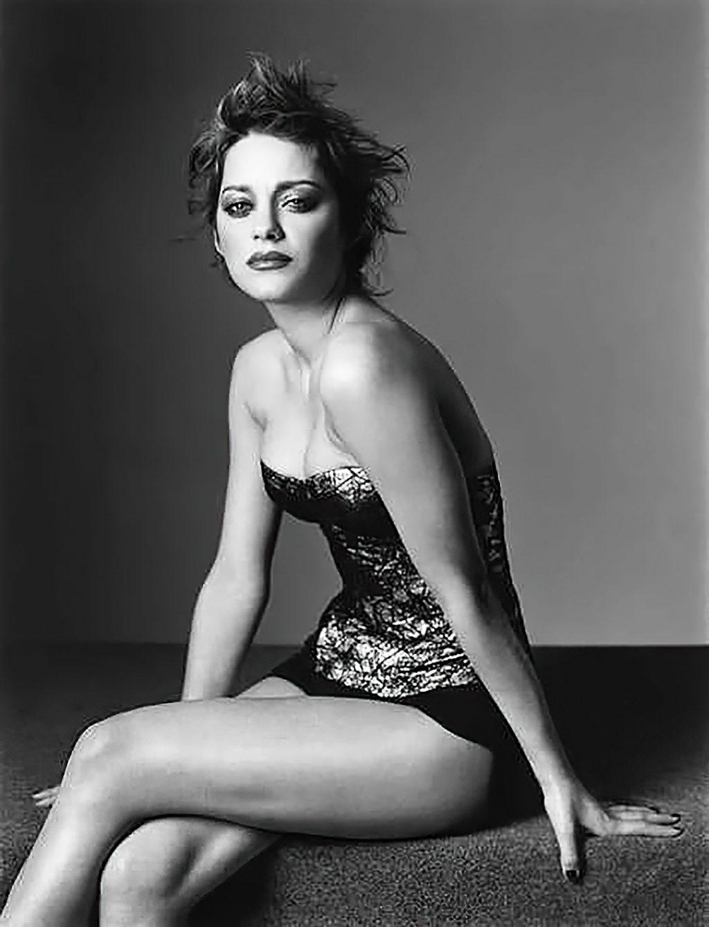 Marion Cotillard Sexy & Topless (50 Photos)