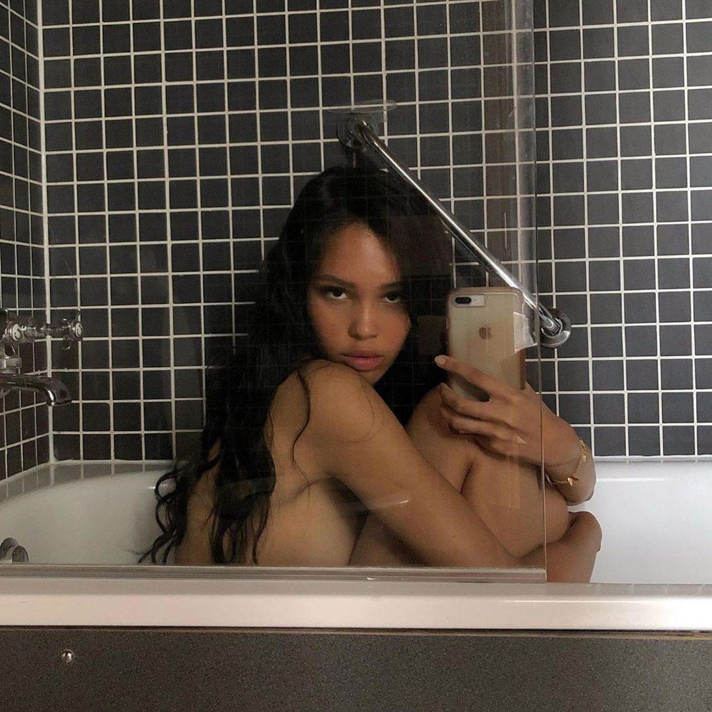Nara Aziza Nude & Sexy (76 Photos)